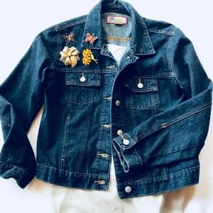 🌼 Old Navy Blue Jean Jacket size Medium